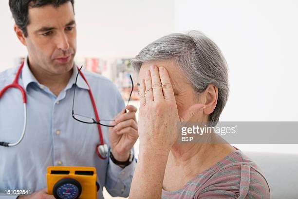 Consultation Elderly P In Pain