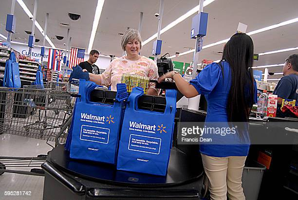 Consumers at walmart chain store 6 Nov 2011
