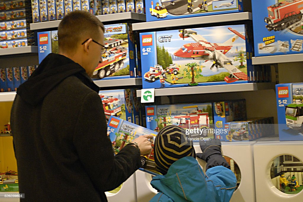 Shopers at legos bricks store for new year disocunt sale at lego ...