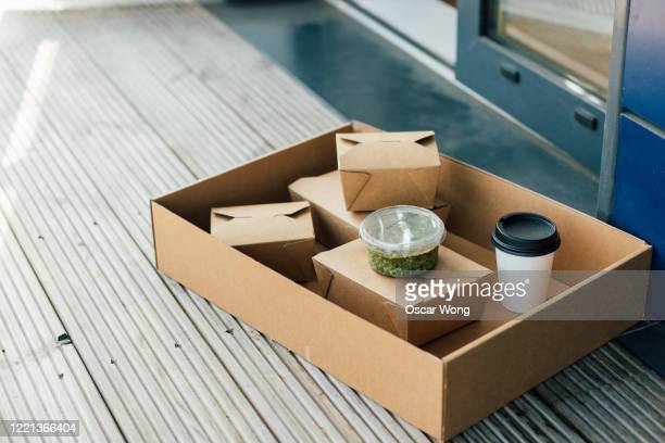 contactless food delivery - packaging stock pictures, royalty-free photos & images