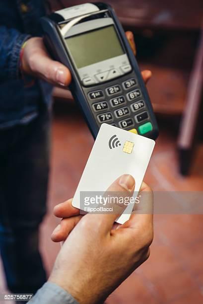 お支払いのクレジットカードでの非接触式
