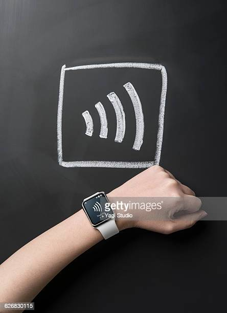 Contactless payment with smart watch