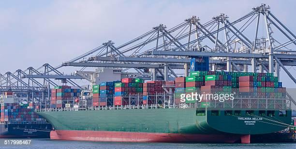"recipiente barco de carga - ""sjoerd van der wal"" or ""sjo"" fotografías e imágenes de stock"