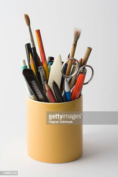 container full of stationery - stift stock-fotos und bilder