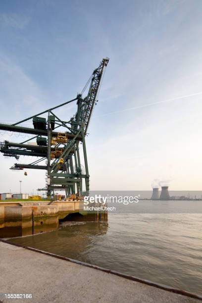 Container Hafen und Power Station