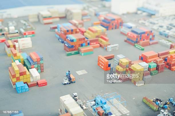 container institution