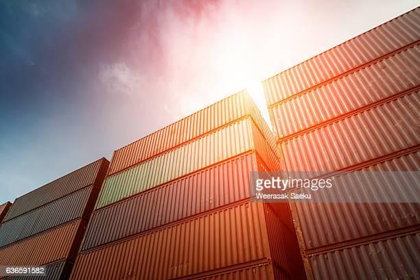 container - recipiente fotografías e imágenes de stock