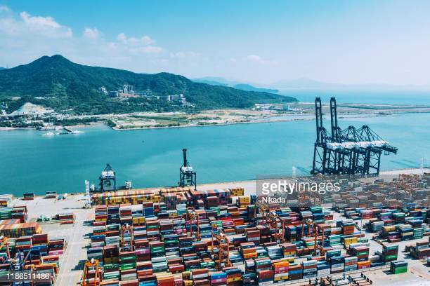 container port in shenzhen, china - trade war stock pictures, royalty-free photos & images