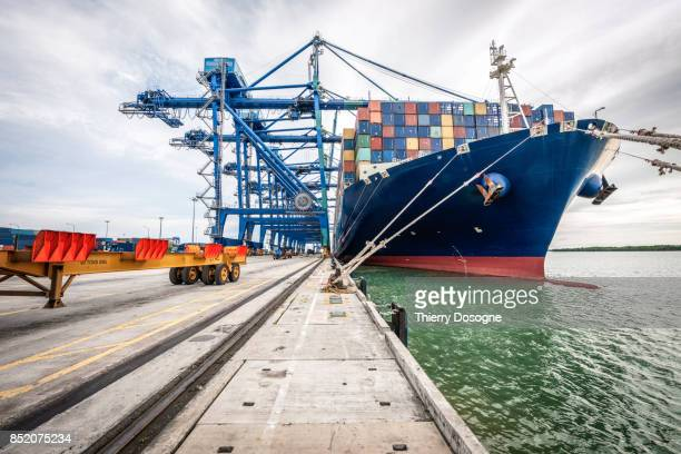 container ship - heavy industry stock photos and pictures