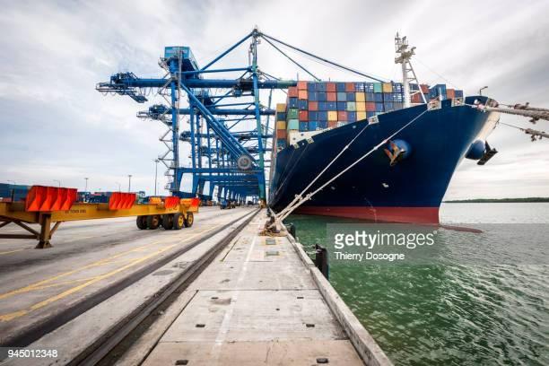 container ship - porto comercial - fotografias e filmes do acervo