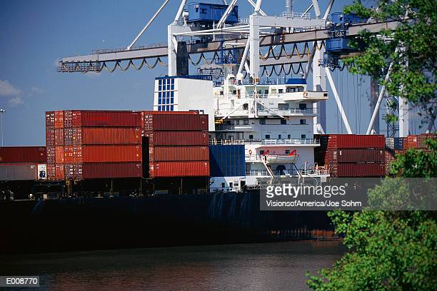 container ship, port of savannah, georgia - port_of_savannah stock pictures, royalty-free photos & images