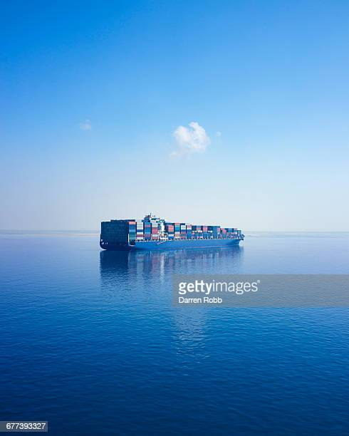 container ship, suez canal, egypt - suez canal stock pictures, royalty-free photos & images