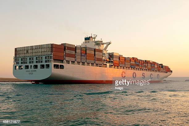 container ship, suez canal in egypt - suez canal stock pictures, royalty-free photos & images