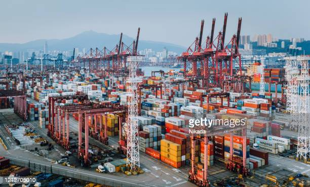 container ship terminal in hong kong, china - commercial dock stock pictures, royalty-free photos & images