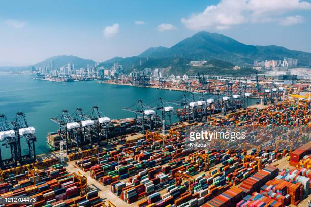 container ship terminal in shenzhen, china - trade war stock pictures, royalty-free photos & images