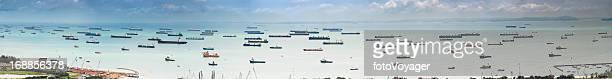 cargo shipping Container-Schiffe Frachter vertäut im Hafen panorama-Meerblick