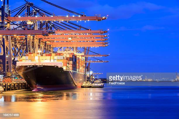 container terminal and cargo ship - rotterdam stock pictures, royalty-free photos & images
