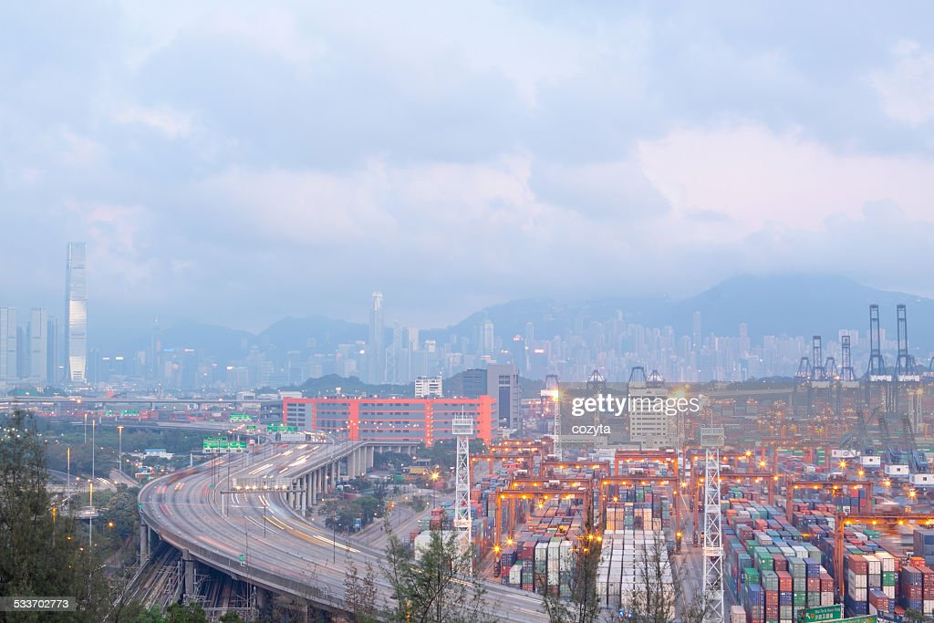 Container terminal and stonecutter bridge in Hong : Foto stock