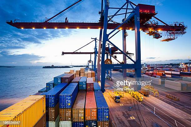 container terminal - industrial sailing craft stock pictures, royalty-free photos & images