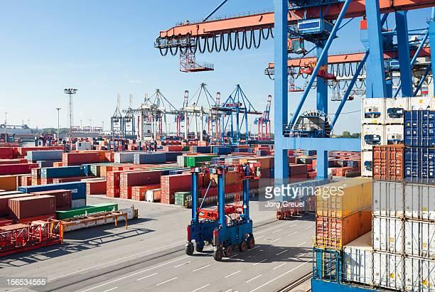 container terminal - verkehrswesen stock-fotos und bilder