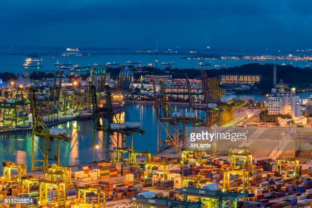container-terminal  - meerkanal stock-fotos und bilder