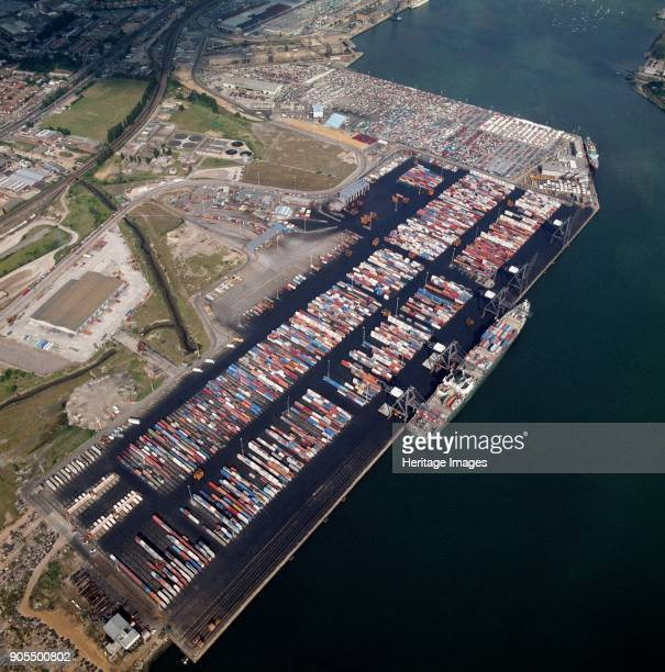 Container Terminal Western Avenue Southampton Hampshire 1987 The Port of Southampton has the second largest container terminal in the UK It is...