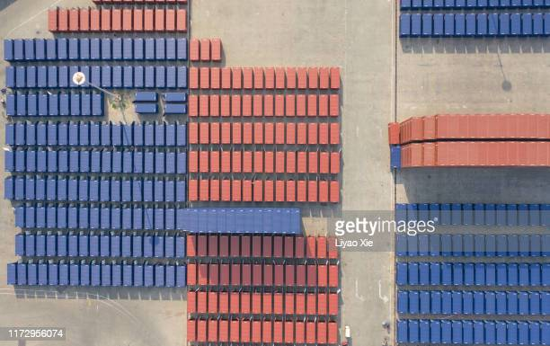 containers at harbor - liyao xie stock pictures, royalty-free photos & images