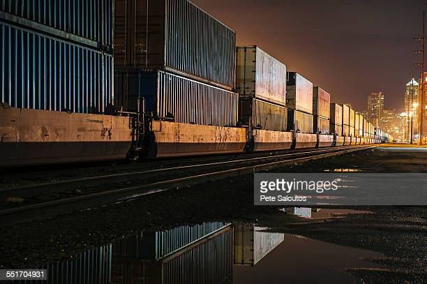 containers at puget sound, seattle, usa - darsena foto e immagini stock