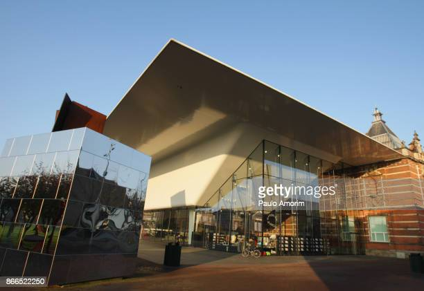 contemporary art stedelijk museum in amsterdam - museumplein stock pictures, royalty-free photos & images