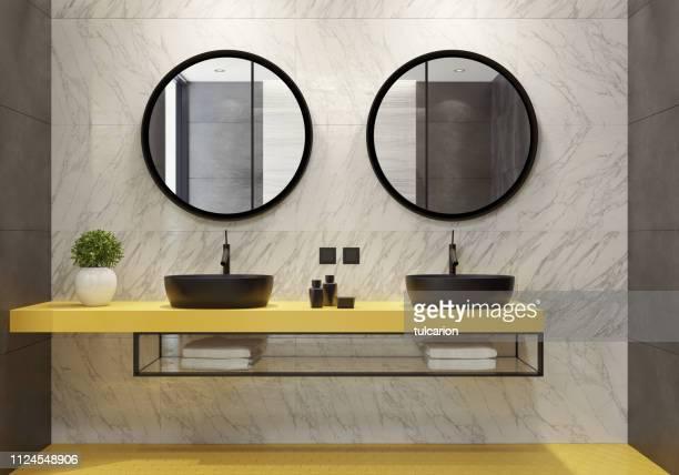 moderne badezimmer mit gelben waben fliesen - accessoires stock-fotos und bilder