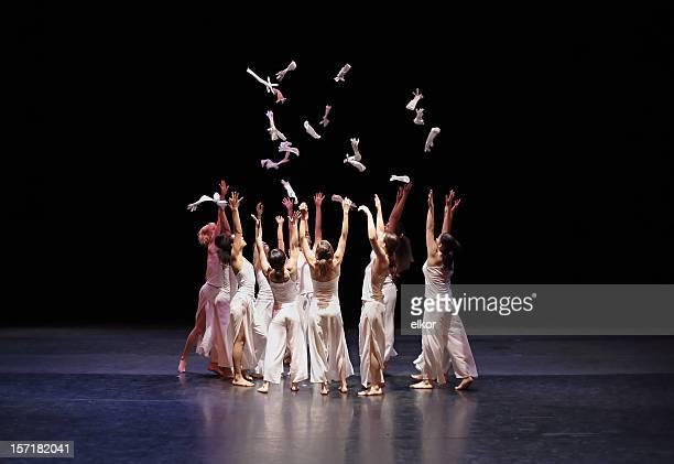 contemporary dance - performance stock pictures, royalty-free photos & images