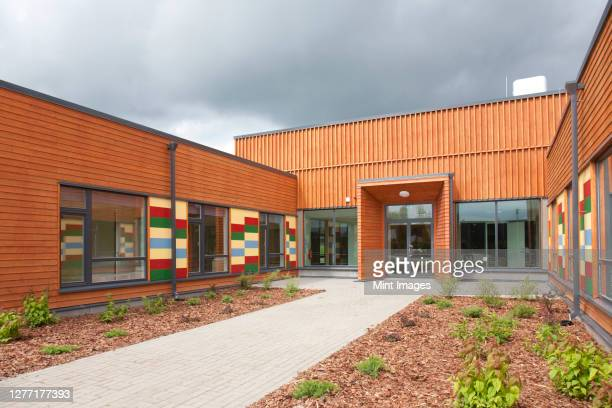 contemporary school entrance, modern architecture - education stock pictures, royalty-free photos & images