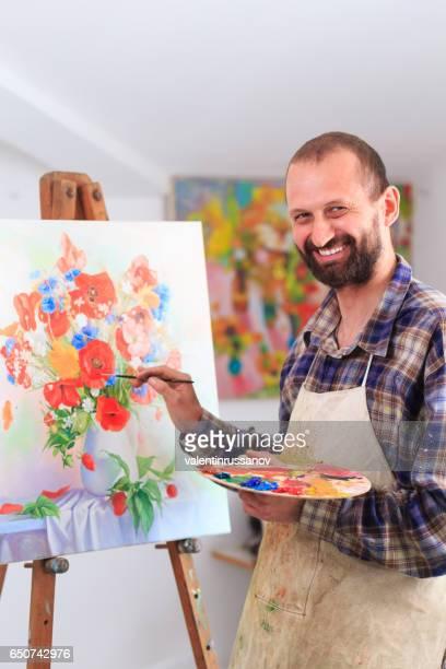inhalt der maler in seinem atelier - malerleinwand stock-fotos und bilder