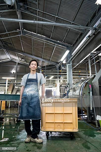 inhalt textil industrie arbeiter in einem kleidungsstück factory - top garment stock-fotos und bilder