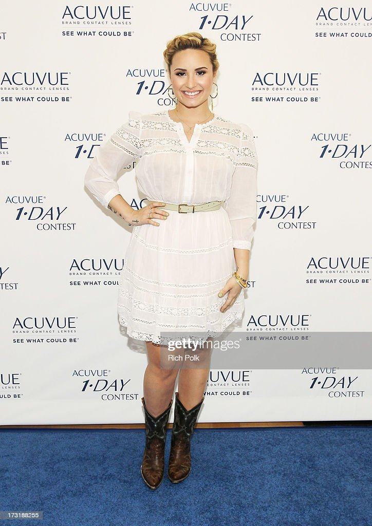 ACUVUE 1-DAY Contest Press Event With Demi Lovato