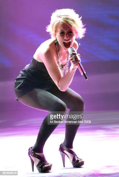 ACCESS*** Contestant Alexis Grace performs live at American Idol March 10 2009 in Los Angeles California The top 13 perform in front of the American...