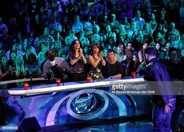 ACCESS*** Contestant Matt Giraud performs live for judges Randy Jackson Kara DioGuardi Paula Abdul and Simon Cowell on the American Idol Season 8 Top...