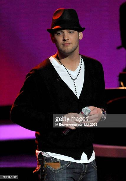Contestant Matt Giraud performs live on the American Idol Season 8 Top 5 Elimination Show on April 29, 2009 in Los Angeles, California.
