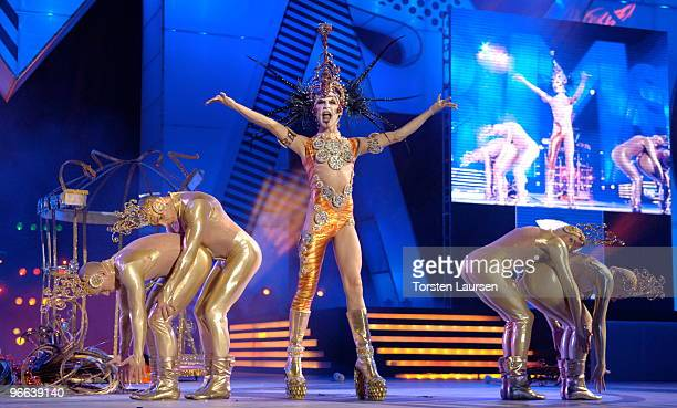 231 Drag Queen Carnival Gala Photos And Premium High Res Pictures Getty Images