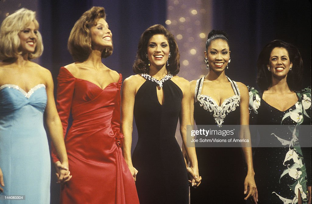 Contestants in 1994 Miss America Pageant, Atlantic City, New Jersey : News Photo