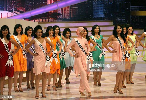 Contestants perform during the Puteri Indonesia or Miss Indonesia 2006 contest in Jakarta late 25 August 2006 Some 38 contestants from 33 provinces...