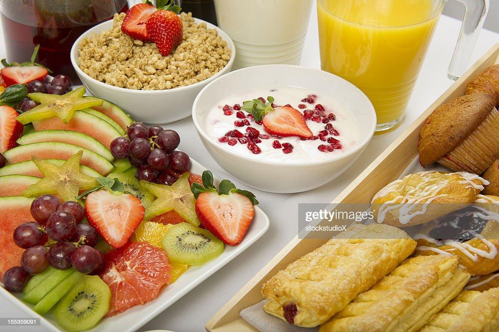 Continental Breakfast Buffet : Stock Photo