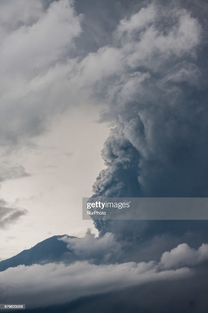 Continuous eruption of volcano Agung with large volumes on November 26, 2017 in Karangasem, Bali, Indonesia. Mount Agung belched smoke as high as 1,500 metres above its summit, sparking an exodus from settlements near the mountain.