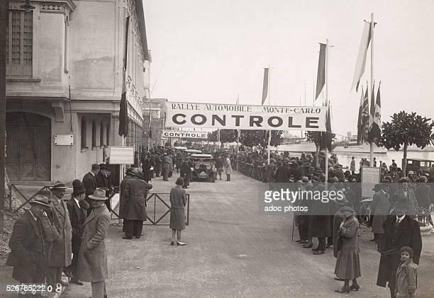 Control at the arrival of competitors in the automotive Monte Carlo Rally in Monaco. Ca. 1930.