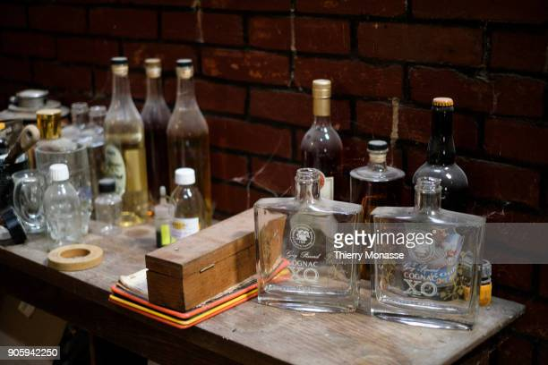 Control material and bottles of the distillery Guy Pinard Organic farming Cognac and Pineau des Charentes producer