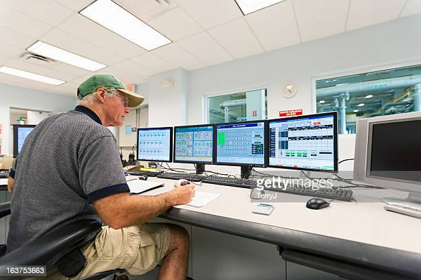 control room - emergencies and disasters stock pictures, royalty-free photos & images