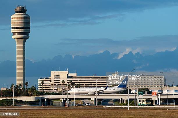 control tower at orlando international airport. - file:orlando stock pictures, royalty-free photos & images