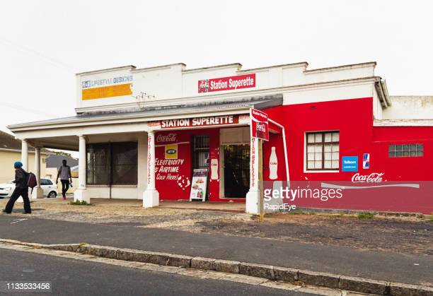 convenience store in poor cape town suburb - western cape province stock pictures, royalty-free photos & images