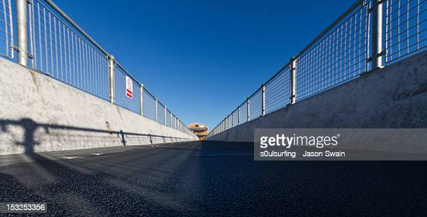 converging lines - s0ulsurfing stock pictures, royalty-free photos & images