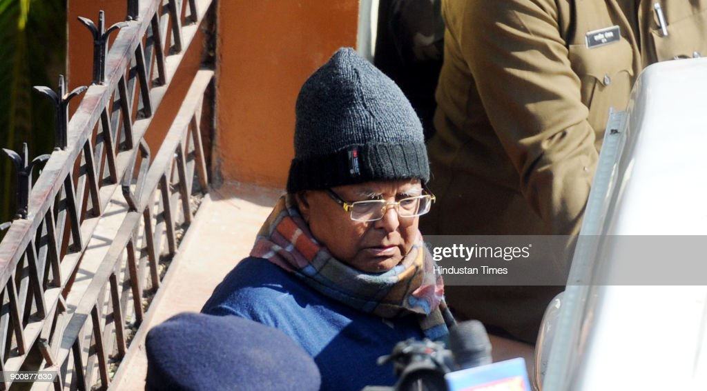 Convicted former Chief Minister of Bihar Lalu Prasad returning to Birsa Munda Jail under heavy securities after attending the special CBI court in the connection of multi-million-rupee fodder scam case on January 3, 2018 in Ranchi, India. Special judge Shivpal Singh was scheduled to pronounce the quantum of sentence on Wednesday, but deferred after condoling the death of two lawyers, who passed away recently.
